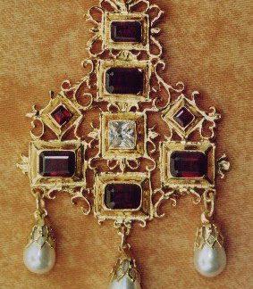 1600 pendant