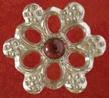 Rose badge with Garnet