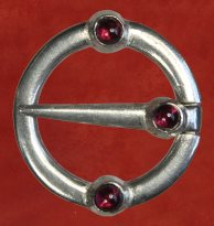 Ring Brooch, with garnet